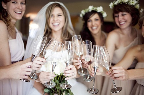 champagne flutes bridesmaids cheers - 7344928768