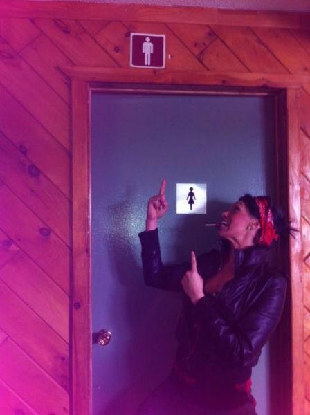 gender signs restrooms - 7353117440