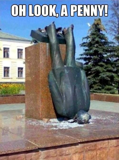 FAIL statue - 7360450048