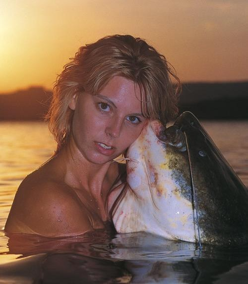 wtf glamour shots babe sea creatures - 7373094400