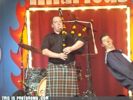 clowns bagpipes - 7379906304