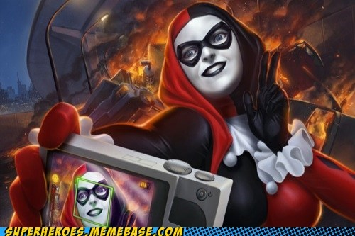 wtf art Harley Quinn photo bomb - 7380954624