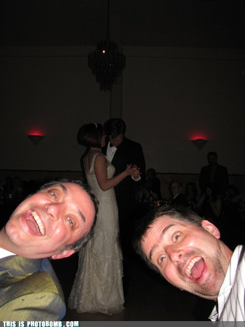photobomb wedding reception funny derp - 7410301952