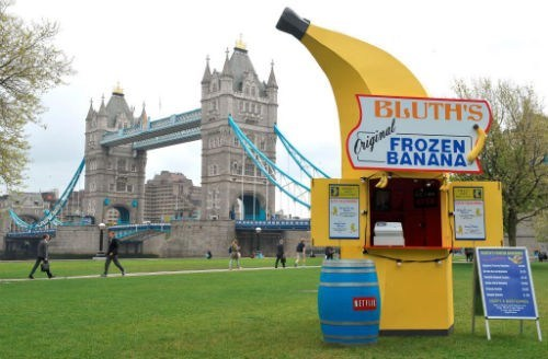 advertising clever London arrested development banana stand - 7439560704