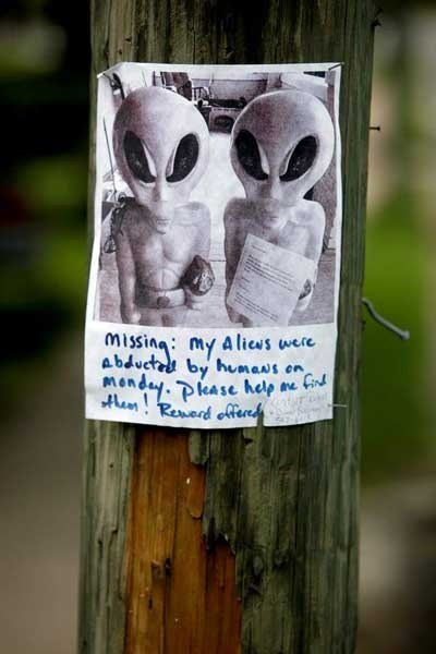 Aliens sign irony lost funny - 7443386368
