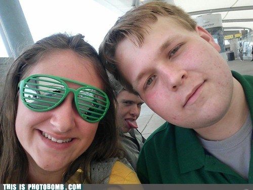 photobomb tongue out funny - 7450659584