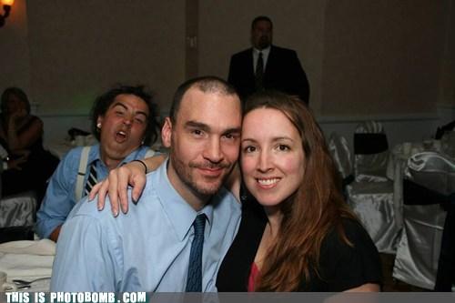 photobomb wedding reception funny - 7478602752