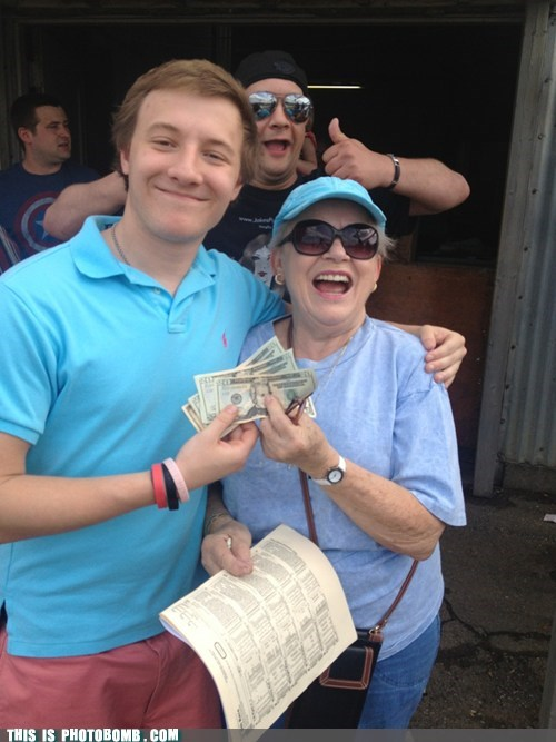 photobomb winning Horse Racing funny