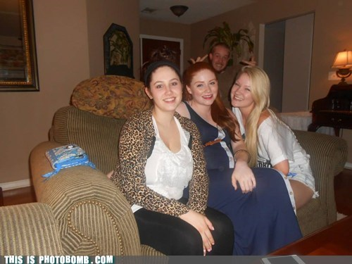 photobomb,flipping the bird,funny