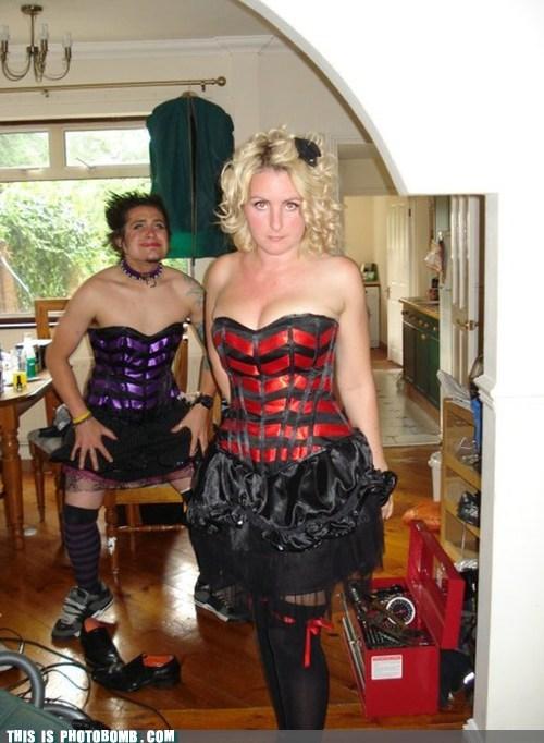 photobomb twinsies funny - 7482025472