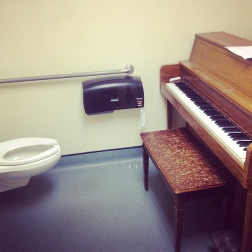 piano Awkward bathroom funny fail nation g rated - 7490797824