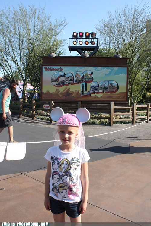 photobomb funny disney california adventure - 7502742272