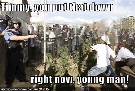 police riot - 751217408