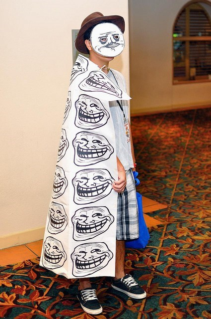 capes poorly dressed me gusta costume troll face funny - 7518849536