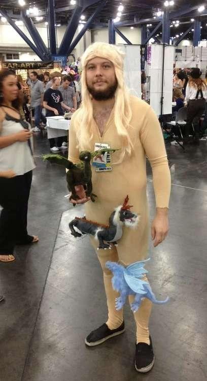 wtf cosplay Game of Thrones Daenerys Targaryen poorly dressed g rated - 7522574848
