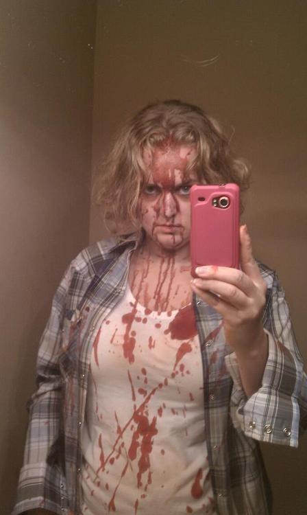 selfie funny bloody - 7522626304