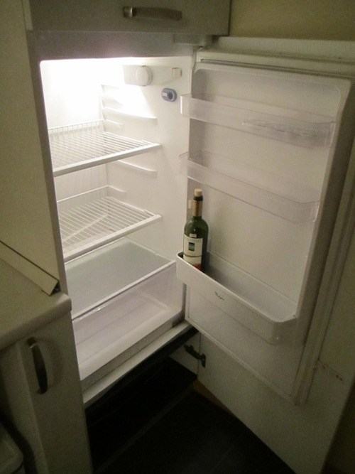 wine empty fridge funny - 7523252480
