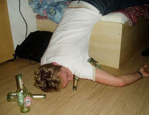 beer bed passed out becks funny - 7537997824