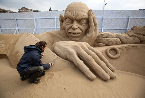 Lord of the Rings,gollum,sand sculpture,nerdgasm,funny