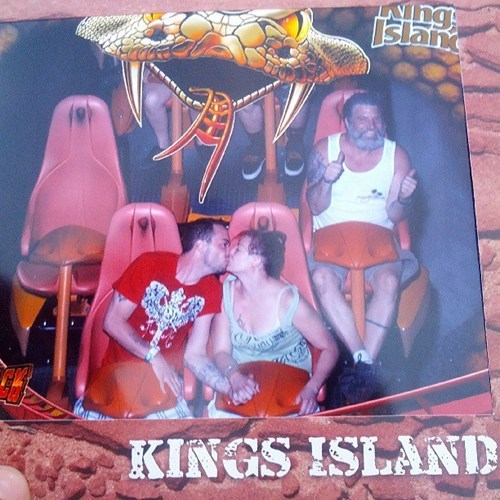 photobomb thumbs up third wheel funny roller coaster kissing
