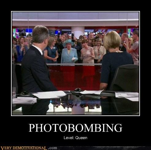 queen photobomb funny - 7553434112