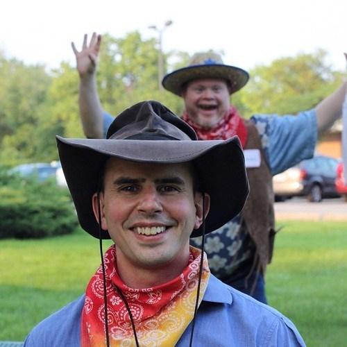 photobomb cowboy funny - 7565658112