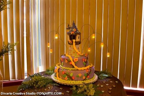 cake,tangled,rapunzel,noms