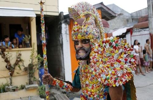 wtf costume gladiators candies armor funny - 7583763968
