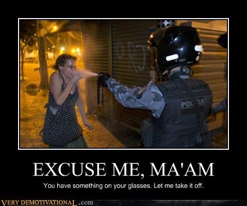 cops wtf pepper spray funny police - 7584127232