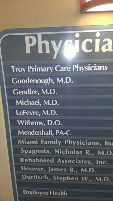 sign doctor names funny