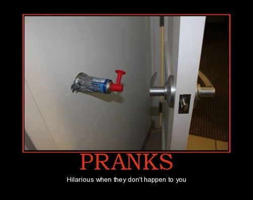 mean air horn pranks funny - 7604630784