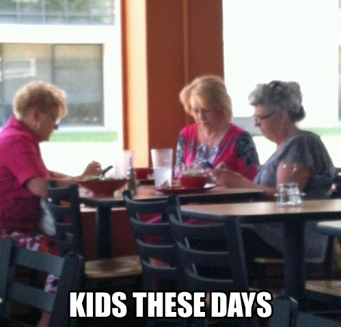 phones restuarants eating adults