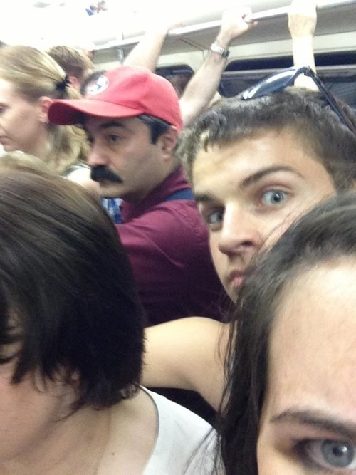 photobomb subways mario funny - 7616048128