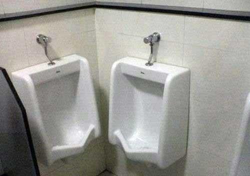 Awkward bathroom funny - 7623103232