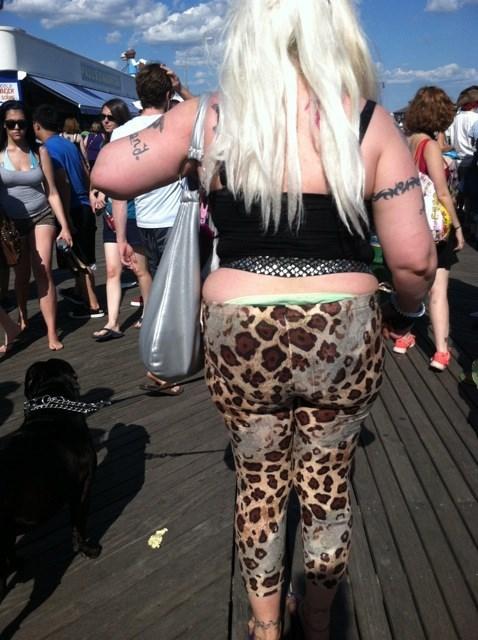 leopard print sagging funny poorly dressed - 7623337472