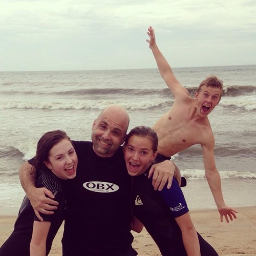 photobomb beach funny - 7623482368
