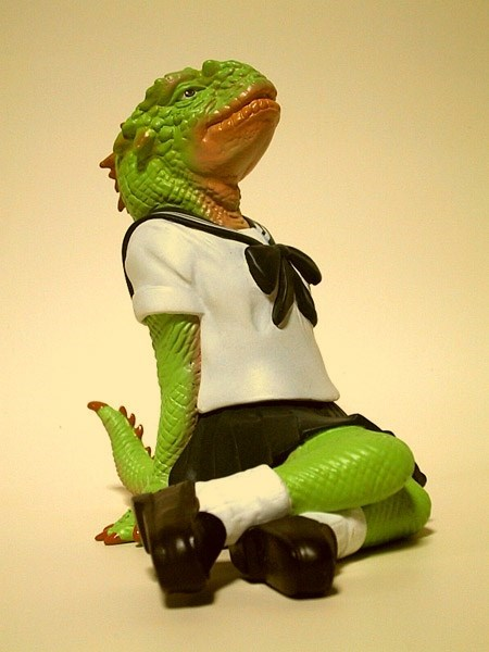 uniforms wtf schoolgirls reptiles funny - 7625313280