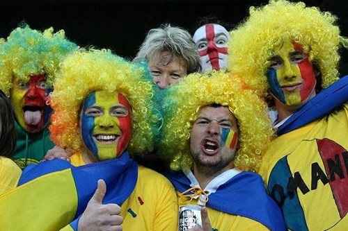 photobomb england football romania funny - 7632545792