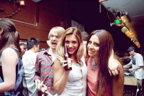 beer photobomb funny - 7635828992