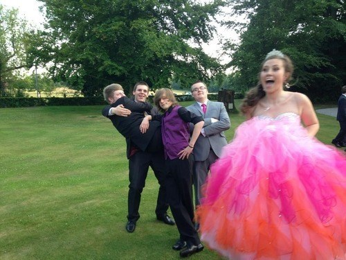 photobomb prom funny - 7645157632