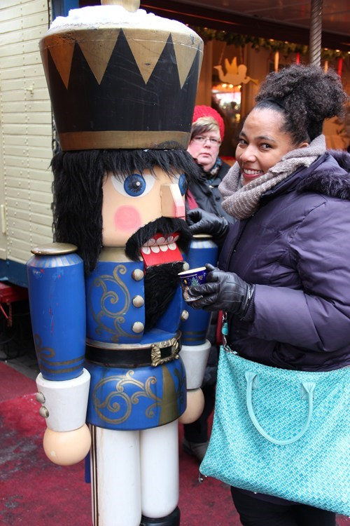 photobomb funny nutcracker - 7649147648