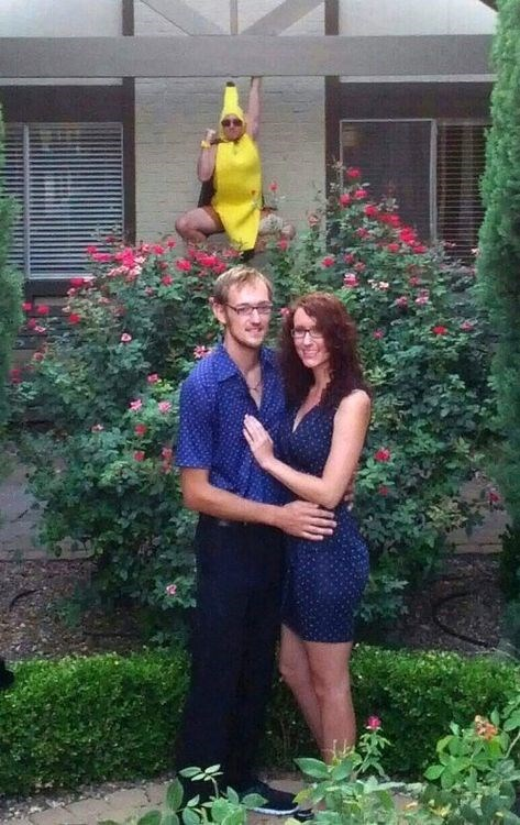banana suit photobomb third wheel funny - 7651582976