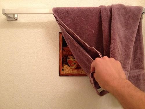 clowns bathroom pooping - 7652105728