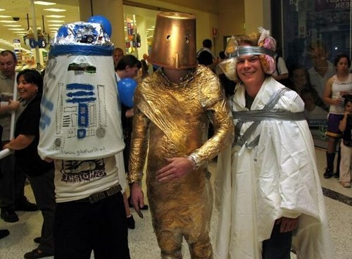 star wars cosplay C3PO FAIL r2-d2
