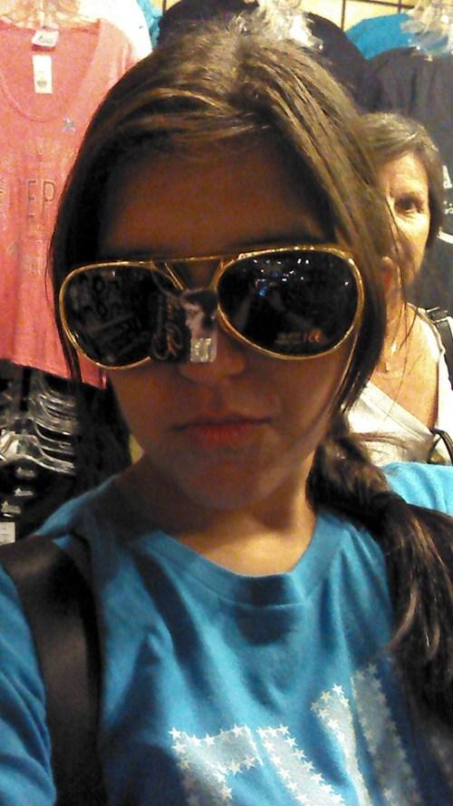photobomb selfie SOON moms funny - 7671471104