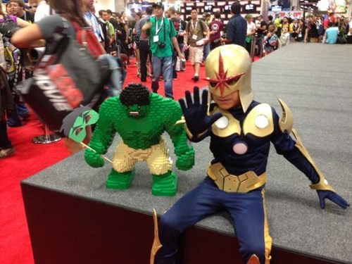 the hulk cosplay lego sdcc 2013 - 7675251712