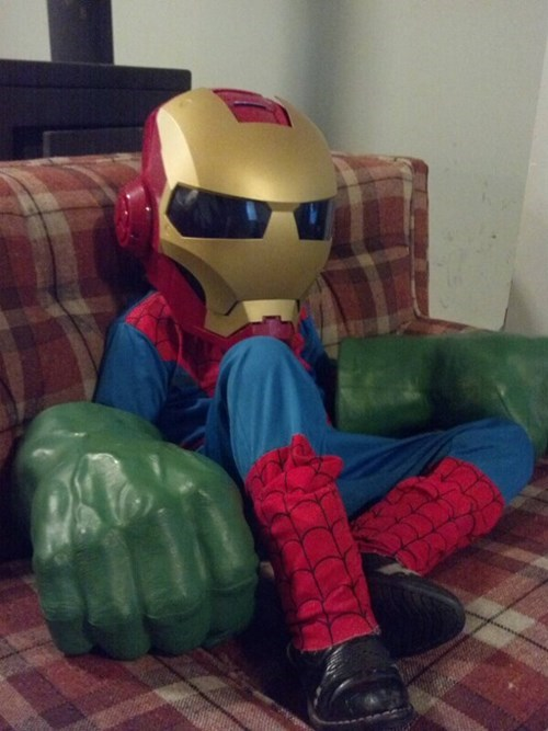 costume,confused,iron man,mismatched,Spider-Man,hulk,poorly dressed,g rated