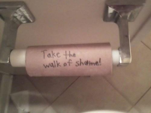 toilet paper bathroom pranks funny - 7683683584