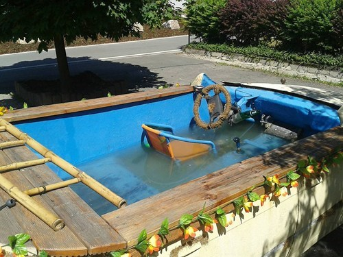 rust,pools,funny,boats,g rated,there I fixed it