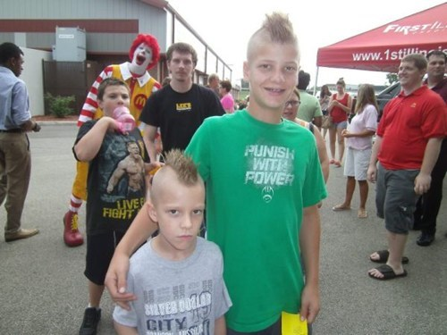 photobomb,Ronald McDonald,funny
